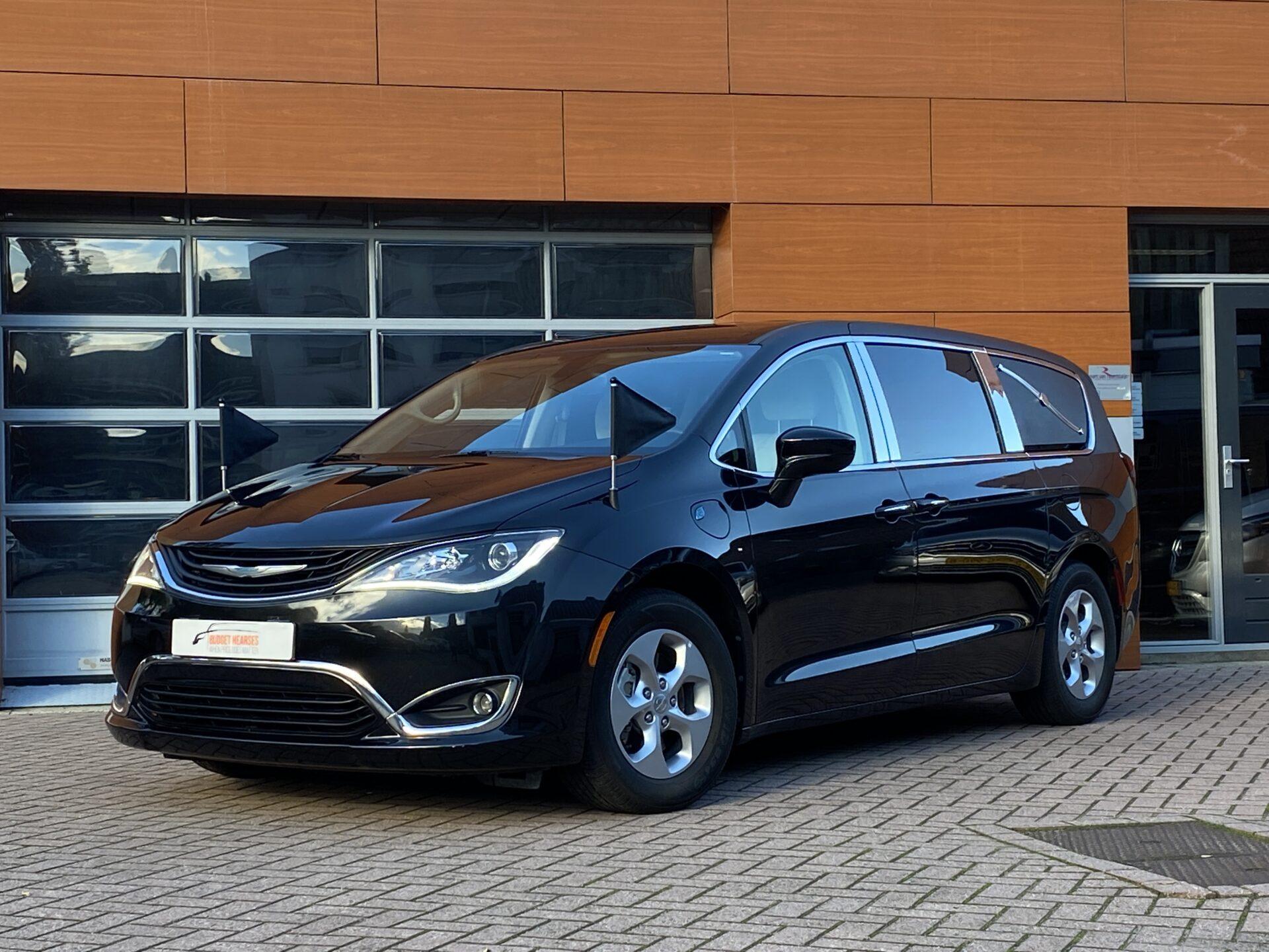 Chrysler Pacifica Hybride Multi-Hearse
